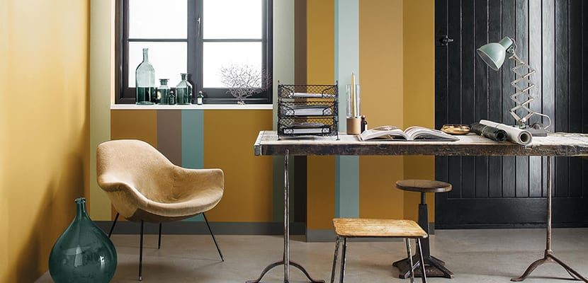 Office with ocher tones