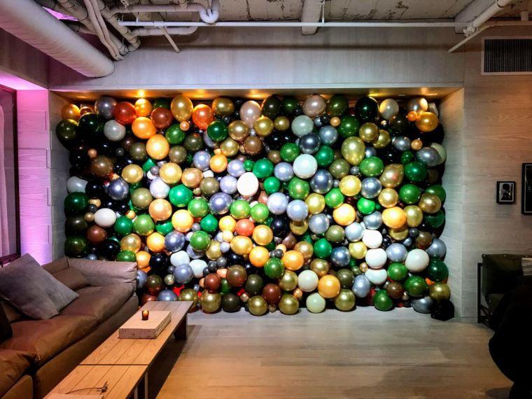 balloons walls