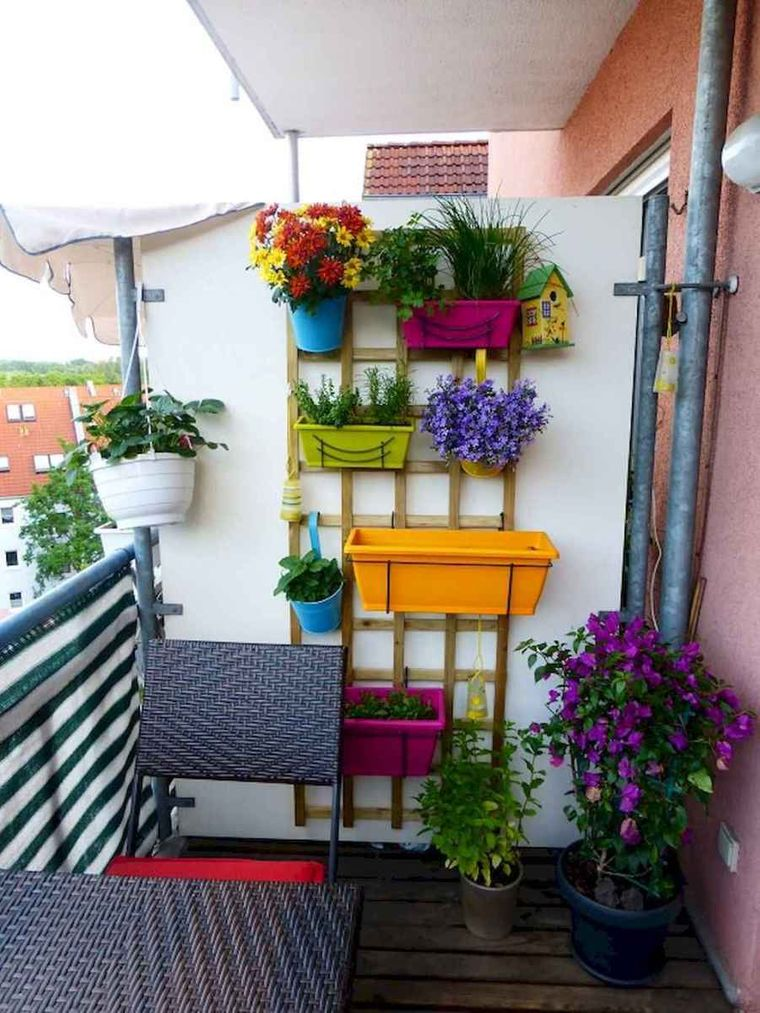 decorate balcony small flower pots colors