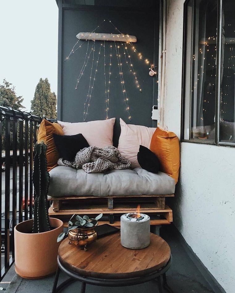 decorate balcony small lollipops
