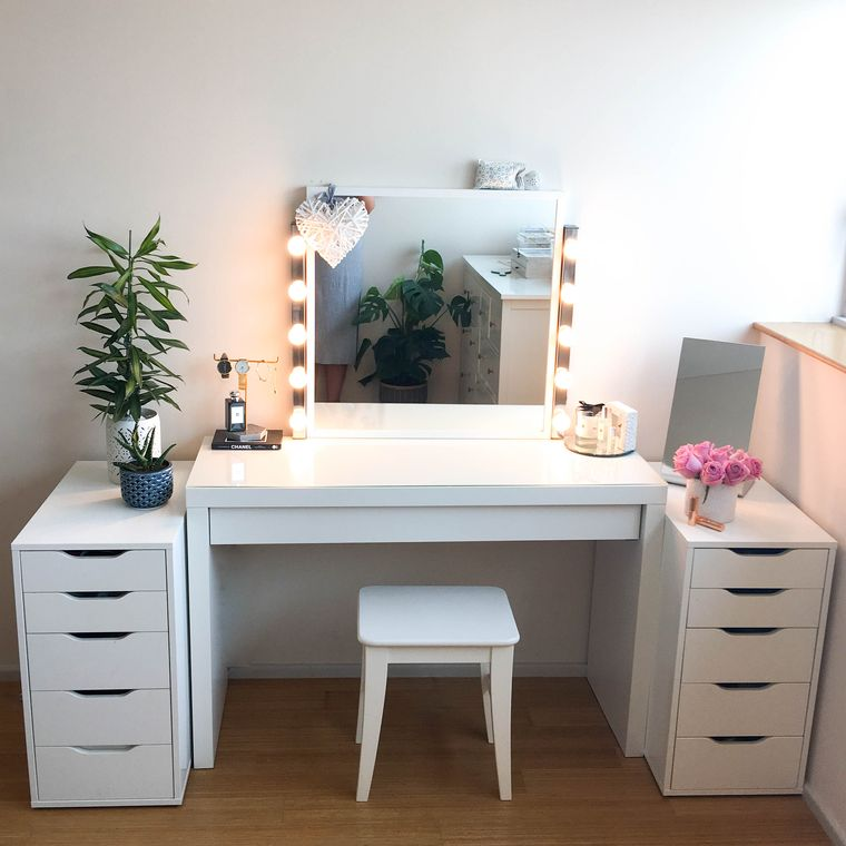 decorated dressing table with drawers