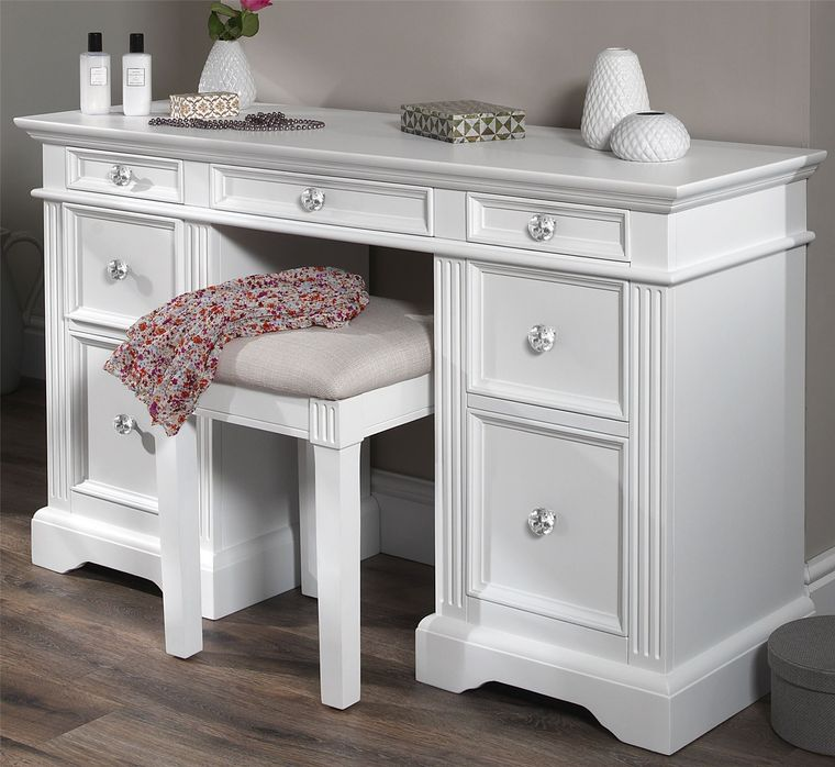dresser with drawers without mirror