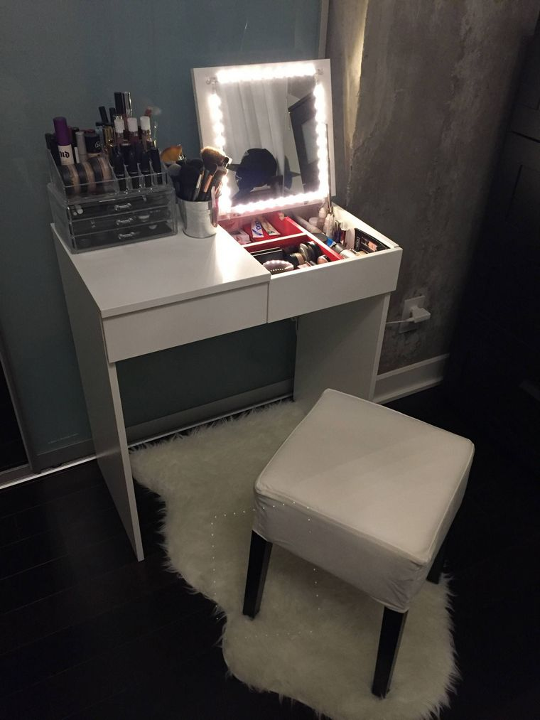 dresser with top drawers
