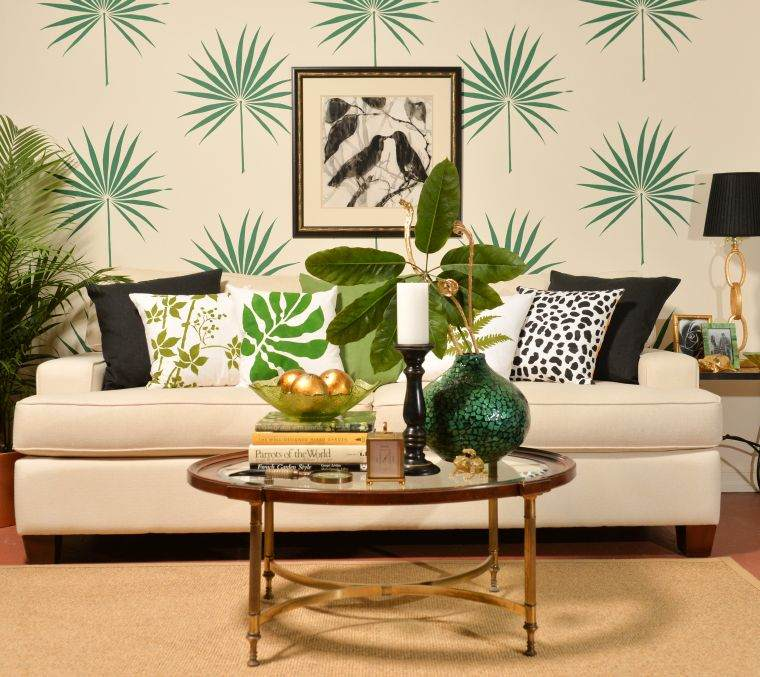 tropical-plants-decorate-wall