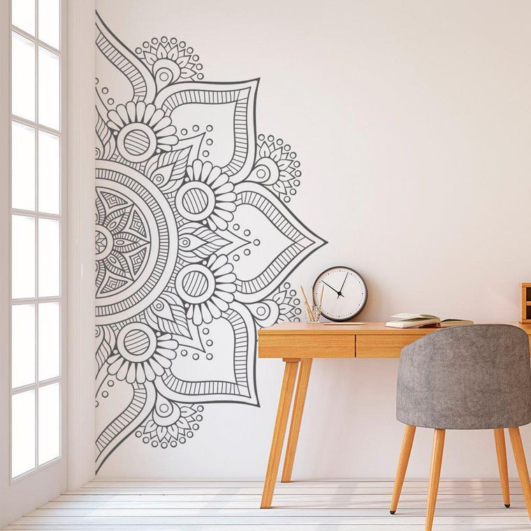 decoration with mandalas drawing