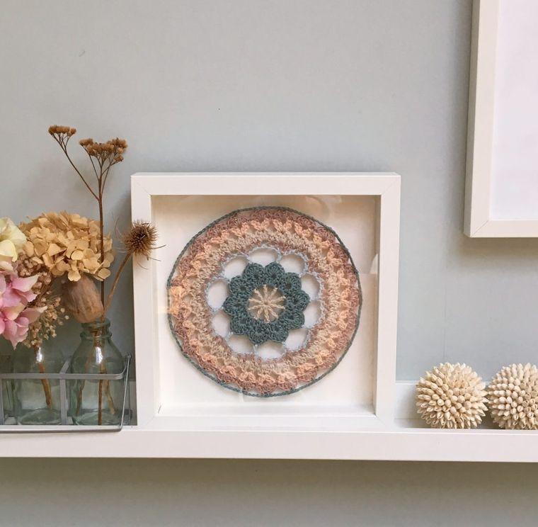 decoration with mandalas decorative element
