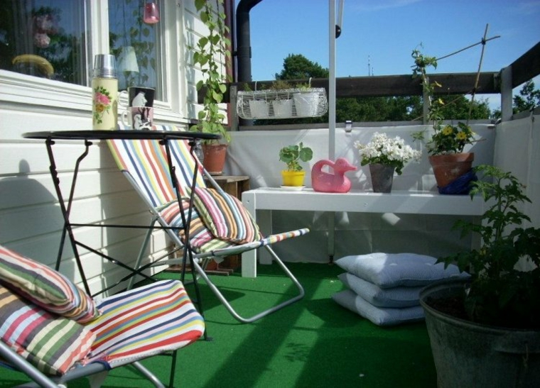 ideas-creative balcony artificial grass