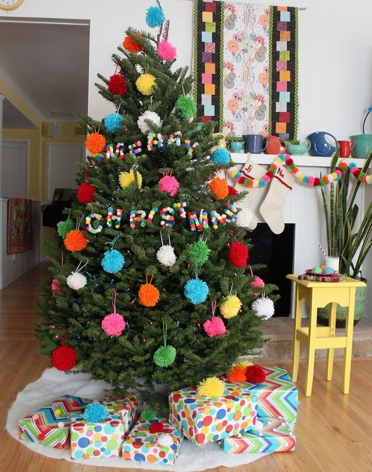 pompoms christmas tree