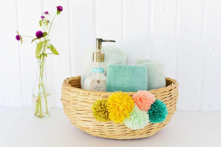 bath pompoms