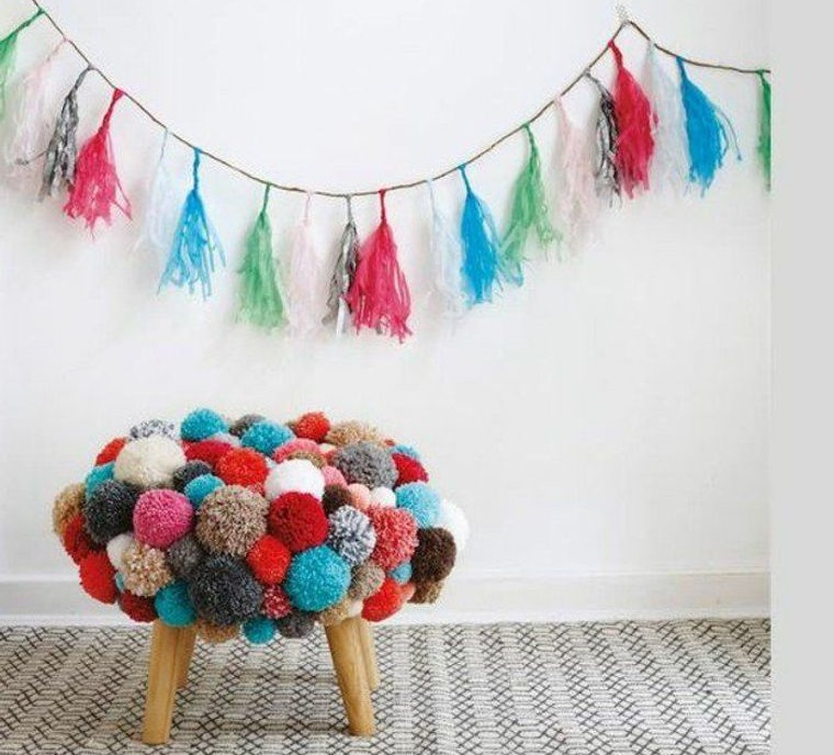 small bench pompoms