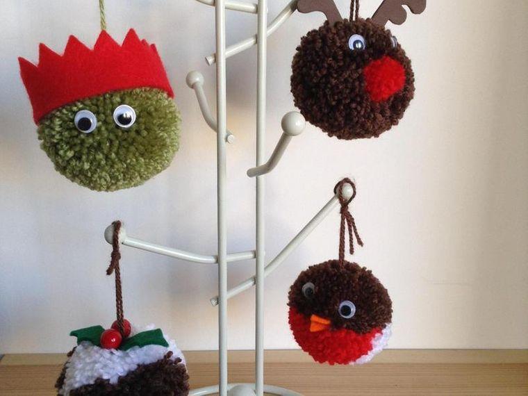 pompoms christmas decoration