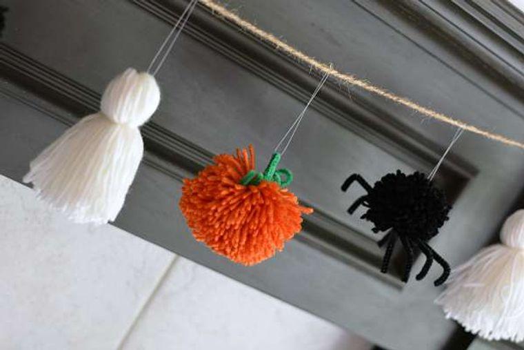 pompoms decorate halloween