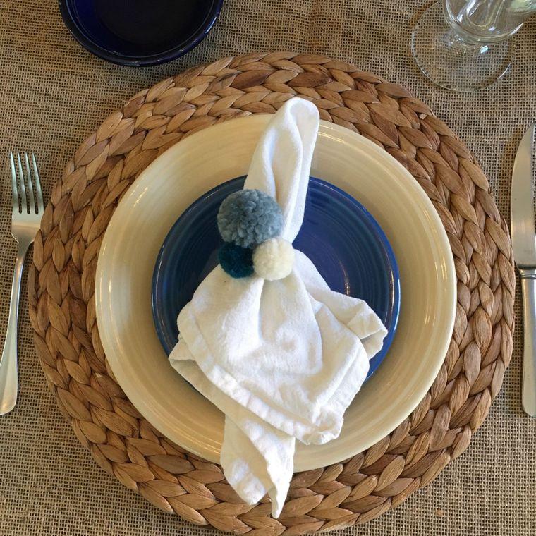 pompoms for napkin holder