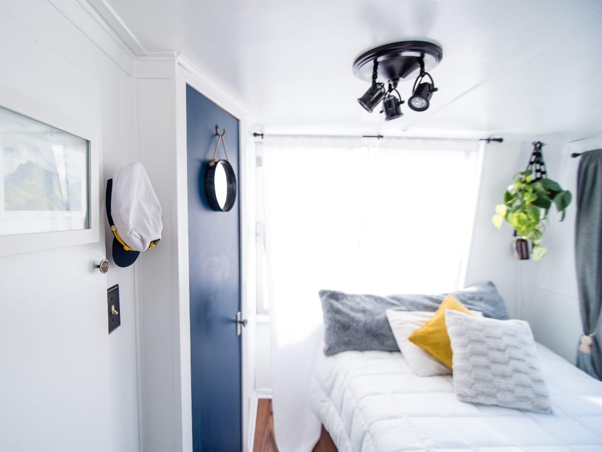 bedroom color door