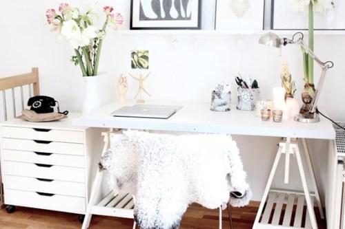 decorate female office