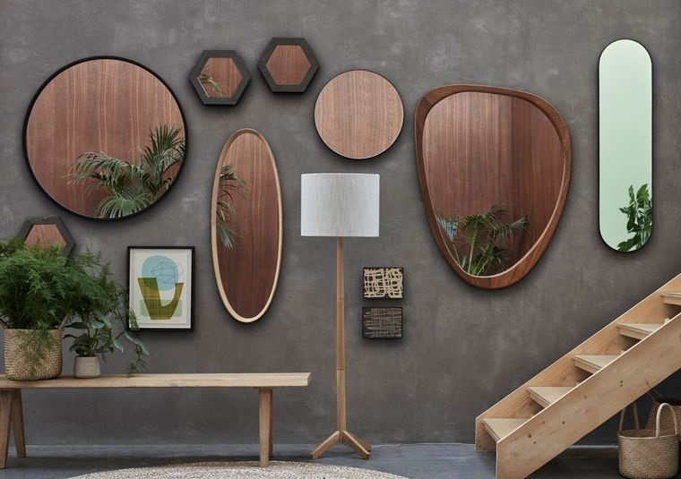 decoration with asymmetrical mirrors