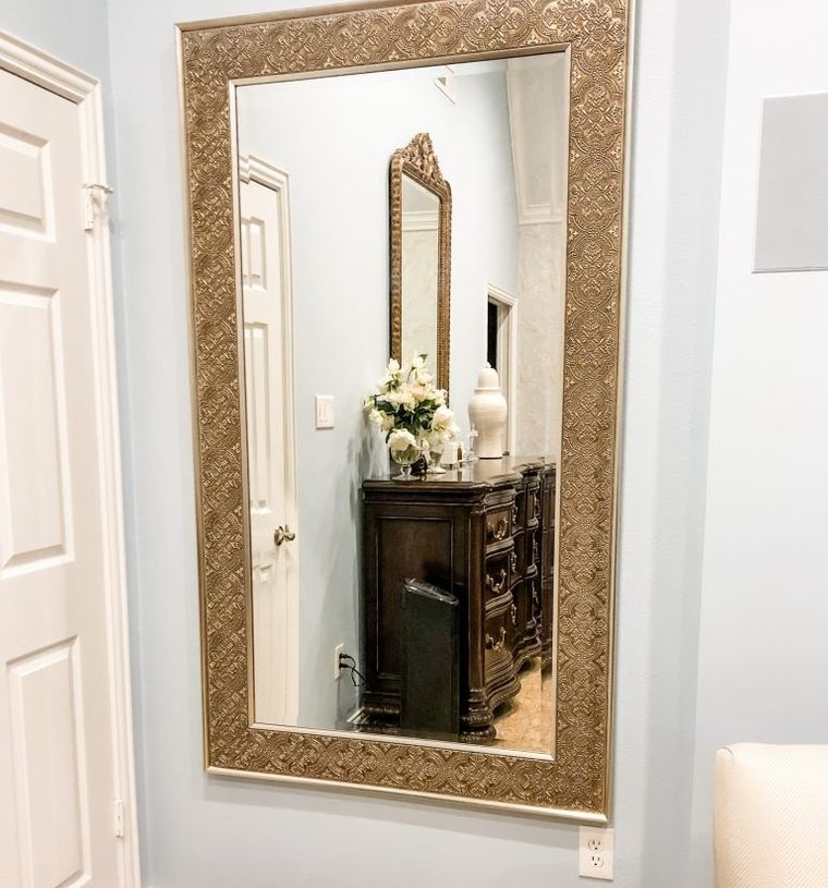 mirrored decoration in entrance hall