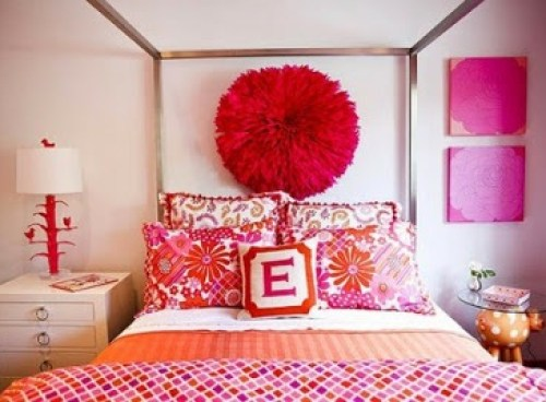 bedroom-with-fuchsia-youth